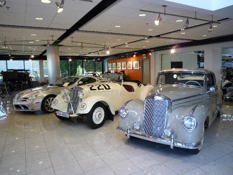 Mercedes benz classic center usa in irvine kalifornien for Mercedes benz classic center