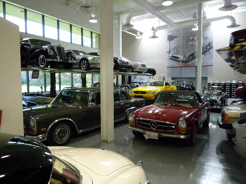 Mercedes benz classic center usa in irvine kalifornien for Mercedes benz classics center